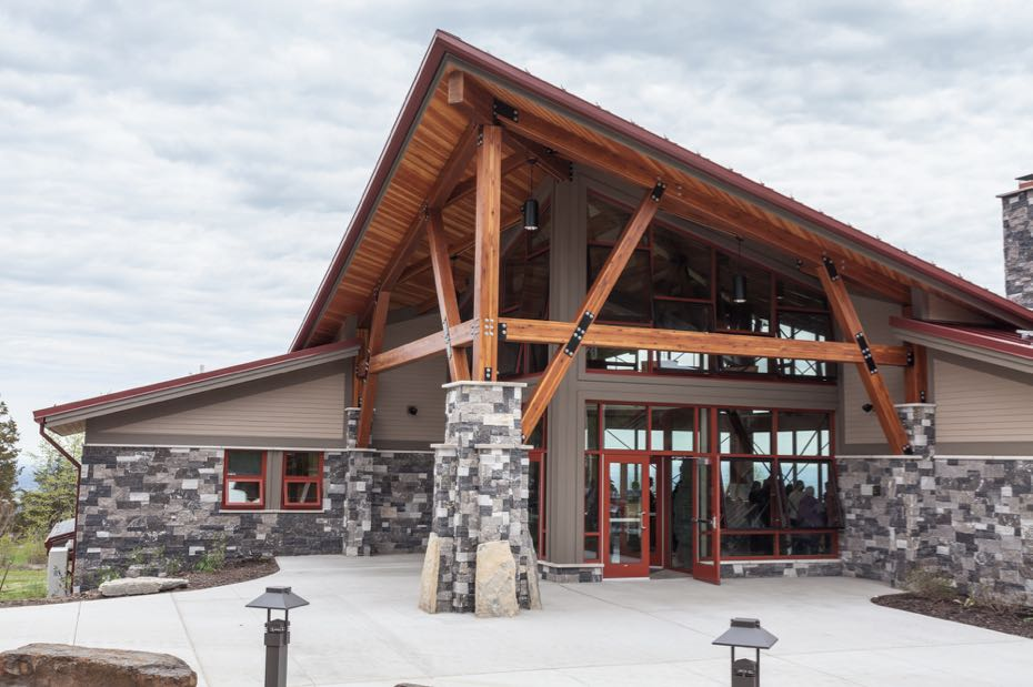 Thacher_State_Park_visitor_center_1.jpg