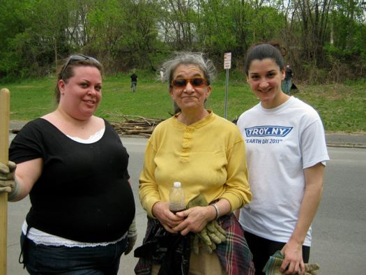 Troy Earth Day cleanup:photo credit Mary Rynasko.jpg