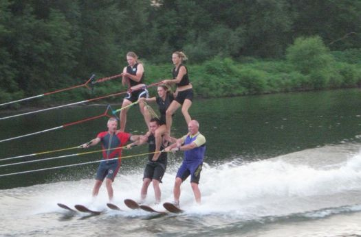 US waterski show team 6 person pyramid.jpg