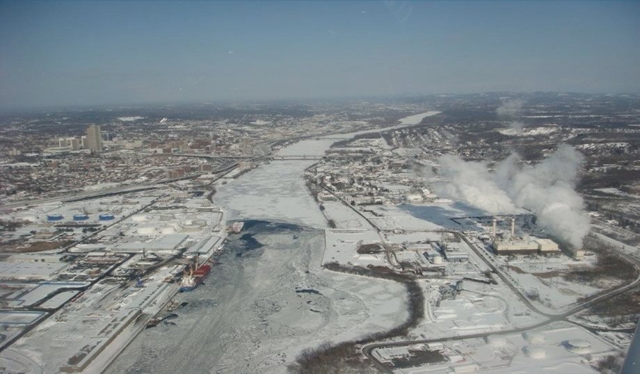 US_Coast_Guard_Hudson_River_ice_aerial_2015-02-06_Albany.jpg
