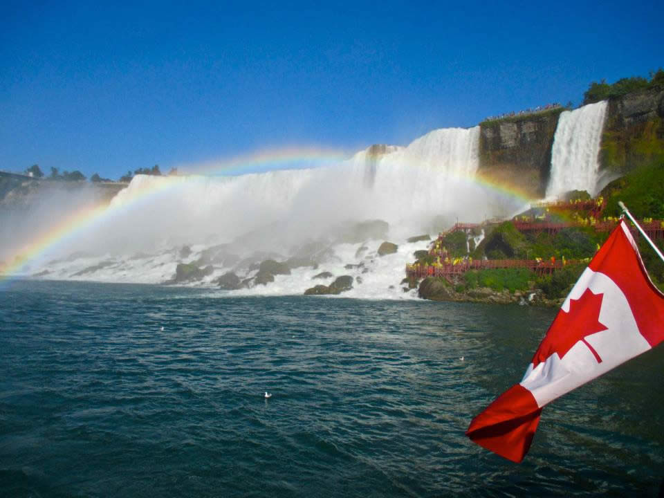 Weekend_Destination_Toronto_niagara_falls.jpg