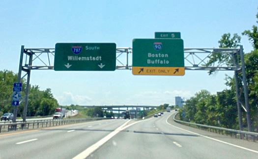 Willemstadt highway sign