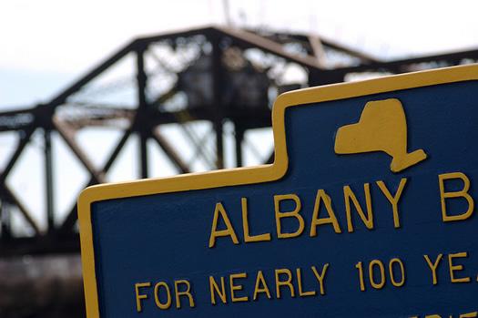 albany b sign