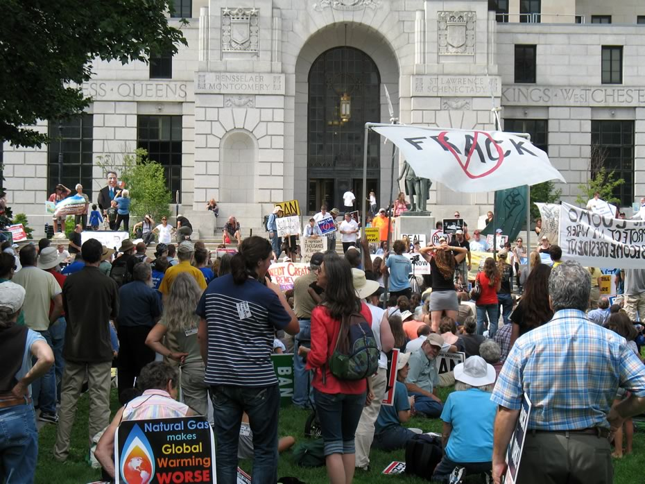 anti-fracking_rally_2012-08-27_0267.jpg
