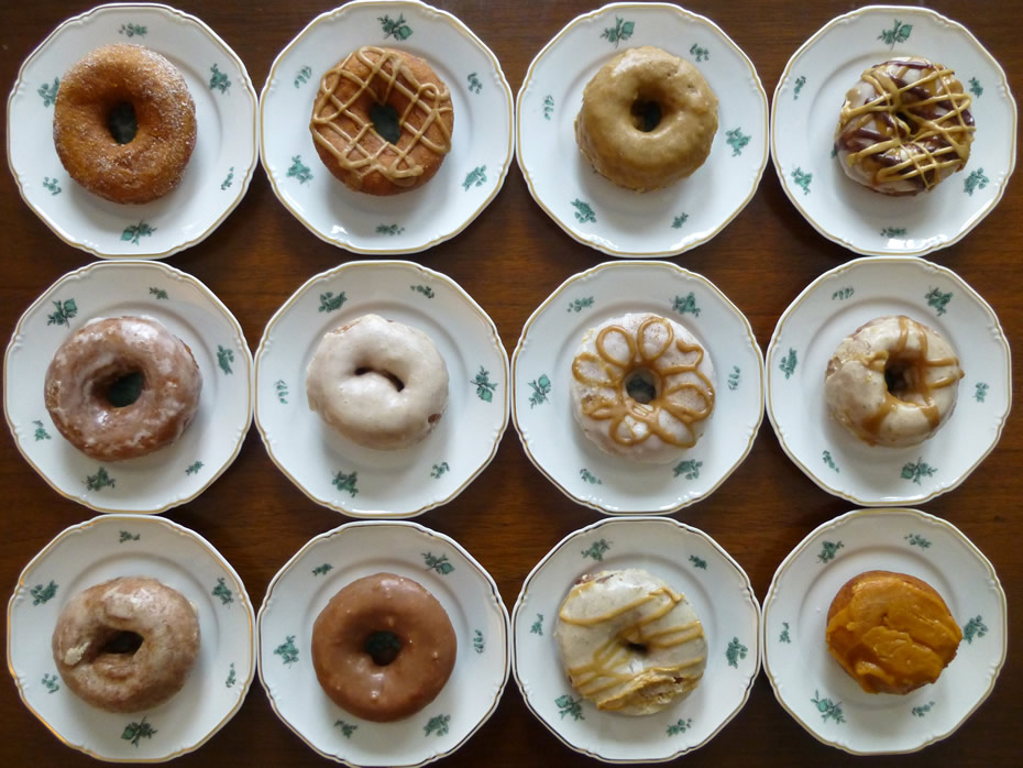best_dozen_cider_belly_donuts_mixed_dozen_overhead.jpg
