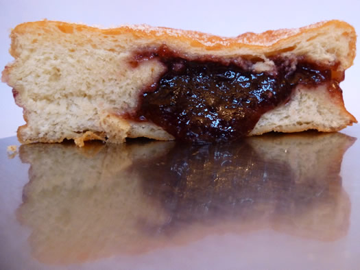 best_dozen_shoprite_raspberry_jelly_cross-section.jpg
