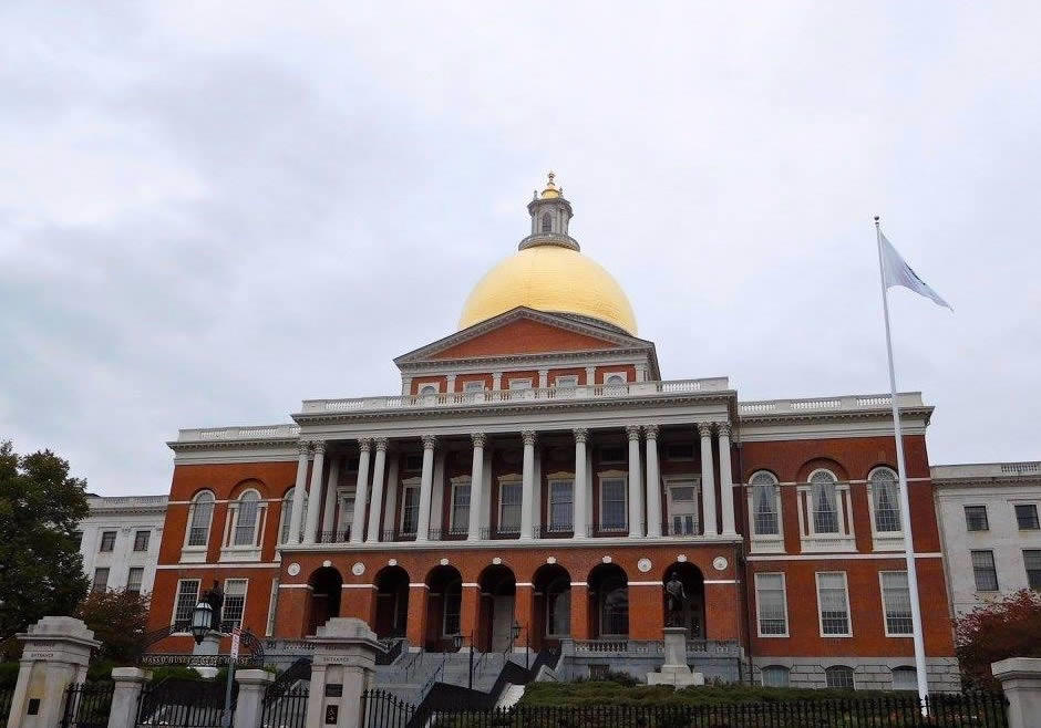 boston_julie_madsen_Massachusetts_State_House_freedom_trail.jpg