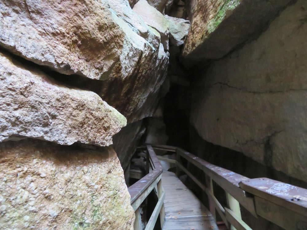 Sams Point Ice Caves credit Julie Madsen