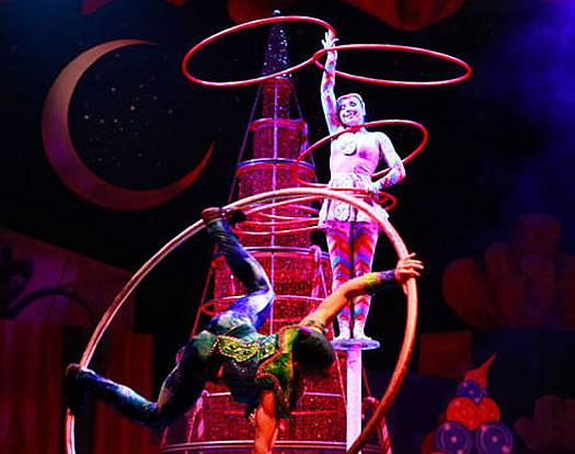 cirque dreams holidaze promo photo
