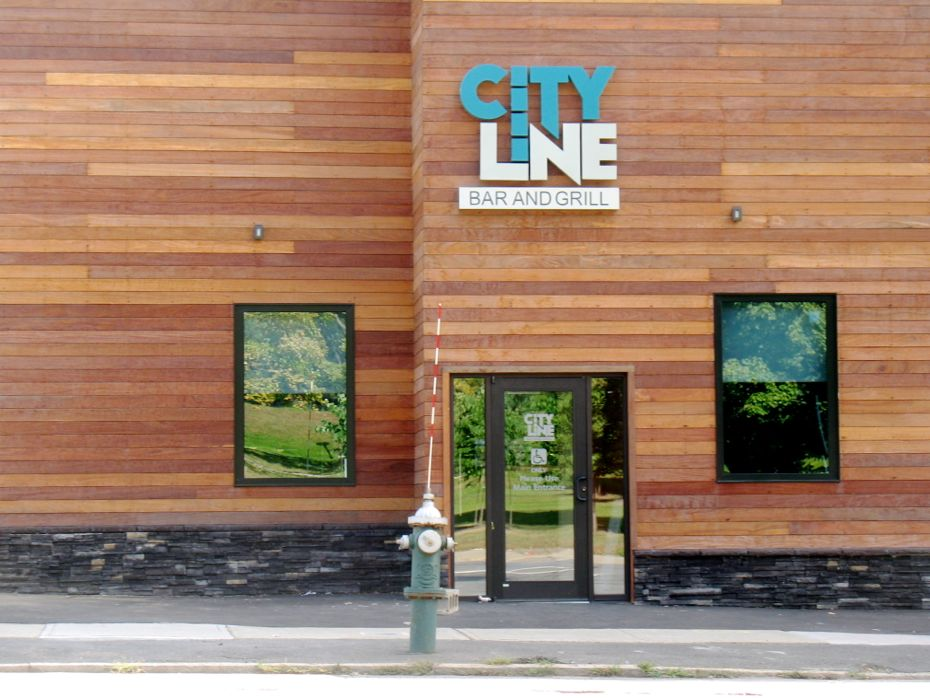 city_line_bar_grill_16.jpg