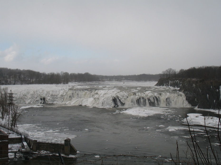 cohoes_falls_ice_1.jpg