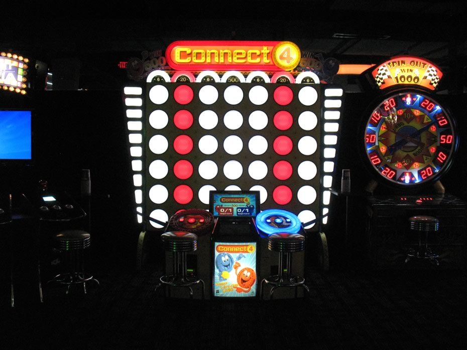 dave_and_busters_crossgates_connect4.jpg