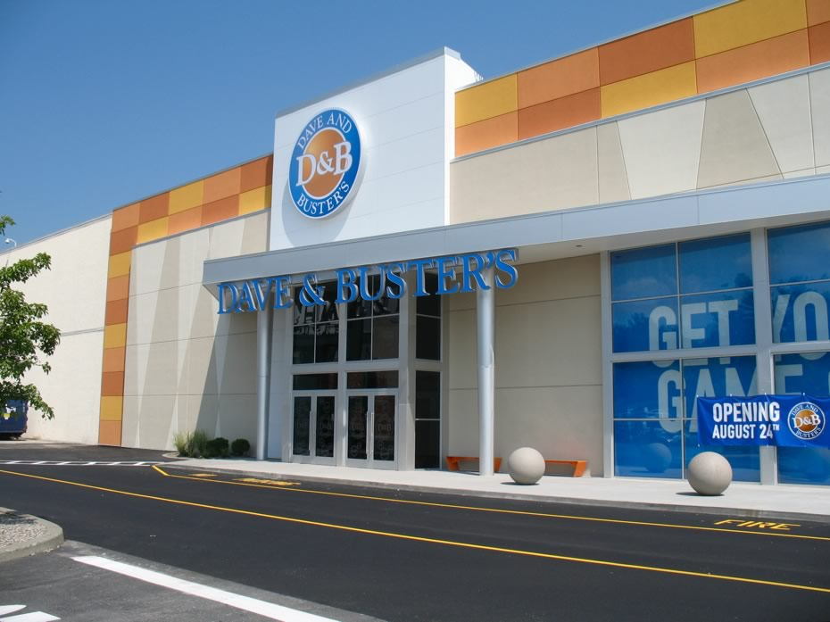 dave_and_busters_crossgates_exterior.jpg