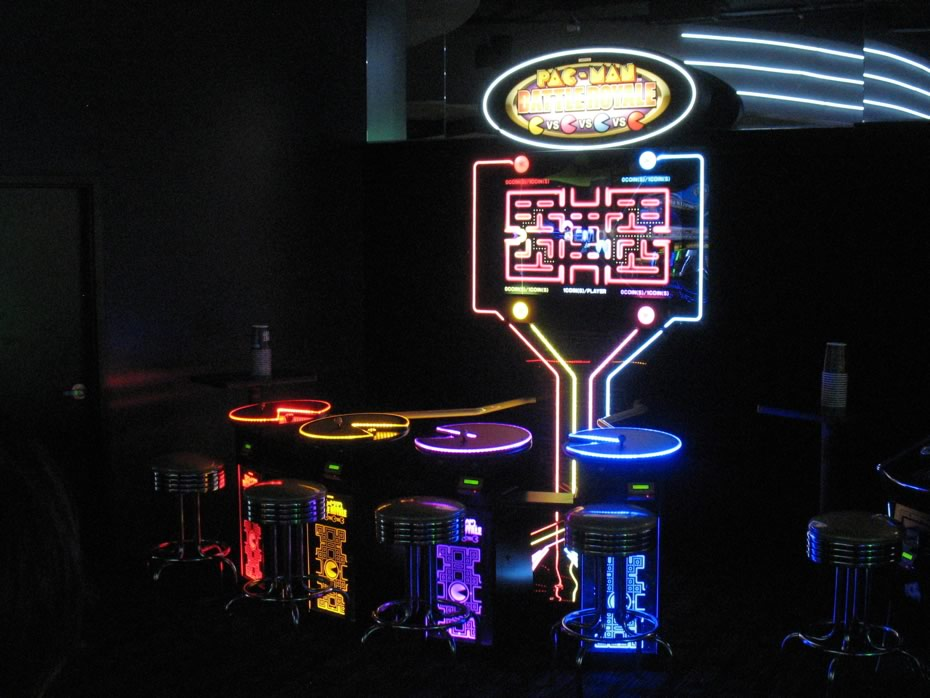 dave_and_busters_crossgates_group_pacman.jpg