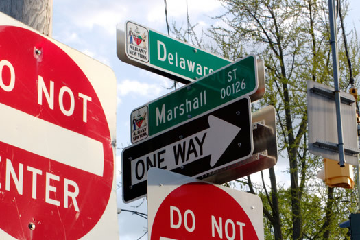 delaware marshall street signs