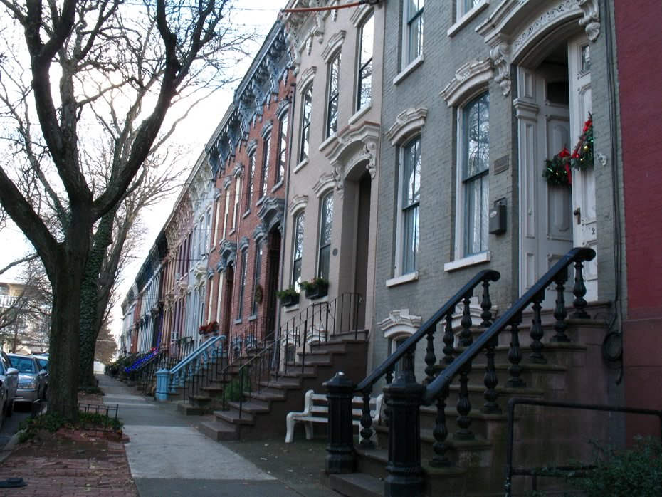 elm_street_row_houses_4.jpg