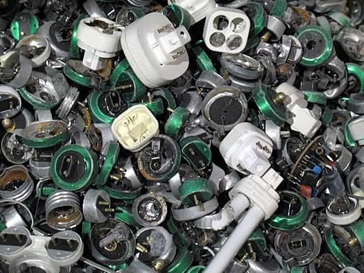 elot recycling bulb endcap closeup