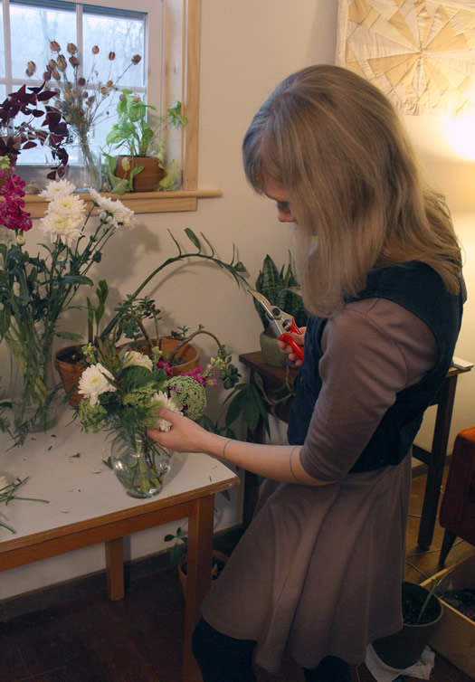 flower scout colie collen arranging