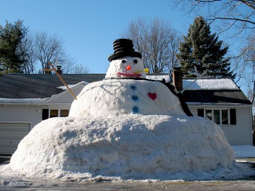 giant guilderland snowman