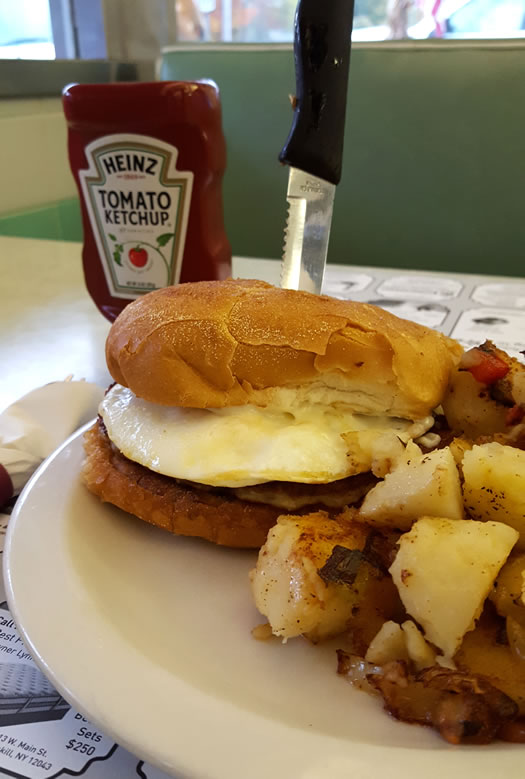 gibby's diner breakfast sandwich