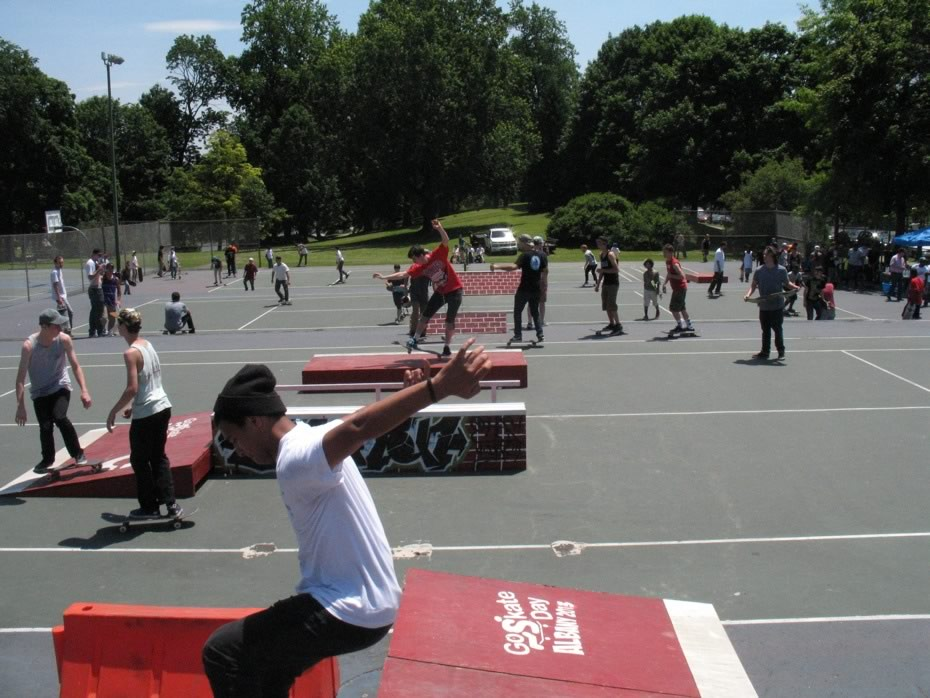 go_skateboarding_day_washington_park_1.jpg