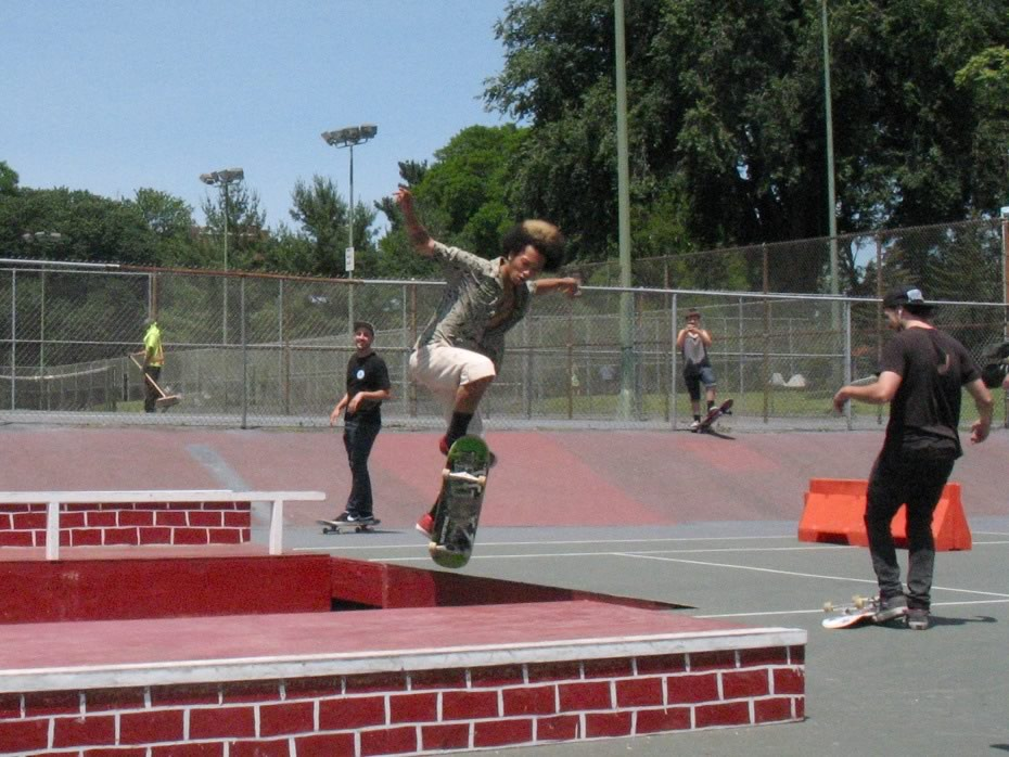 go_skateboarding_day_washington_park_11.jpg