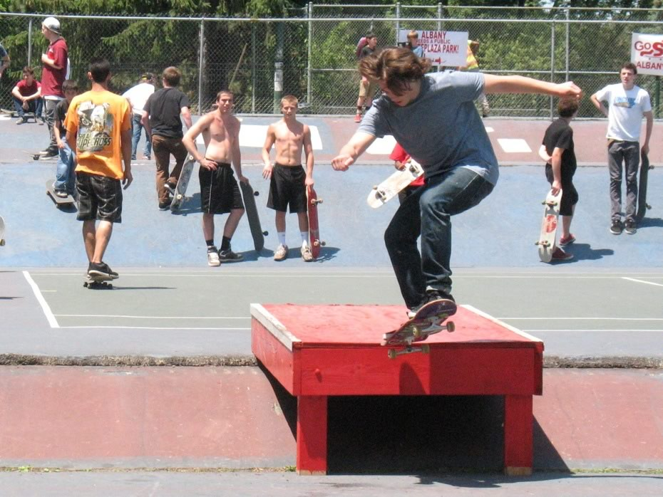 go_skateboarding_day_washington_park_13.jpg