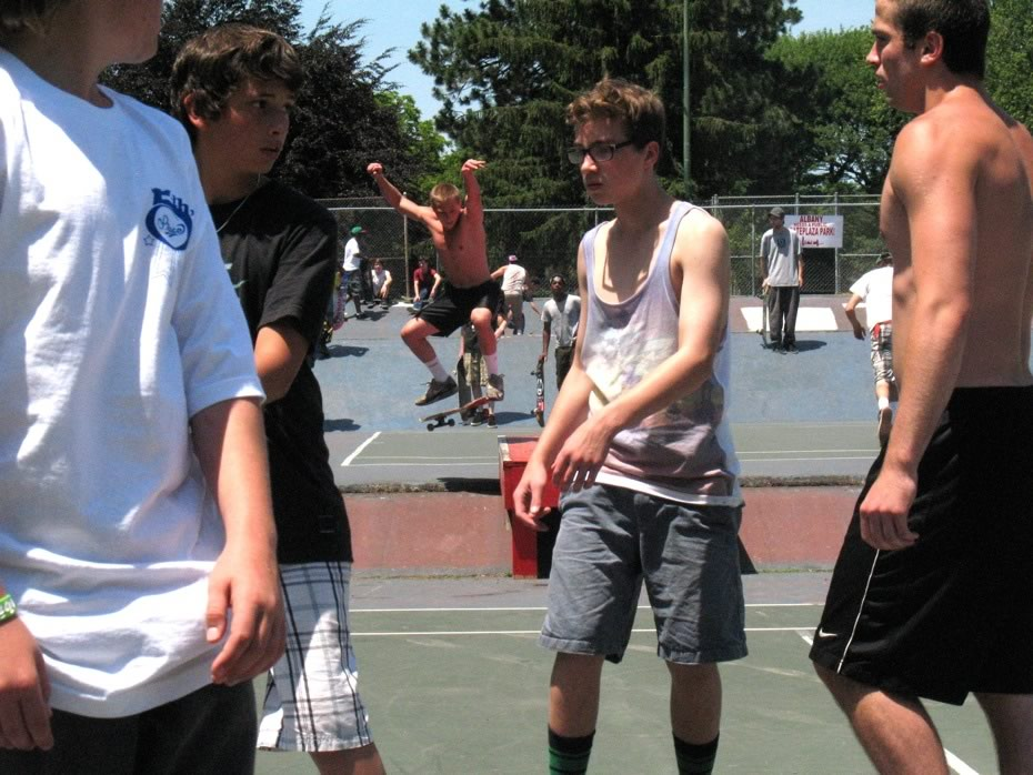 go_skateboarding_day_washington_park_14.jpg