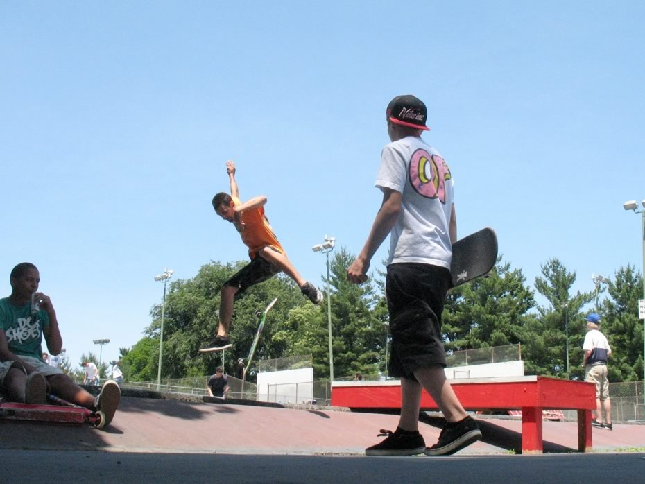 go_skateboarding_day_washington_park_19.jpg