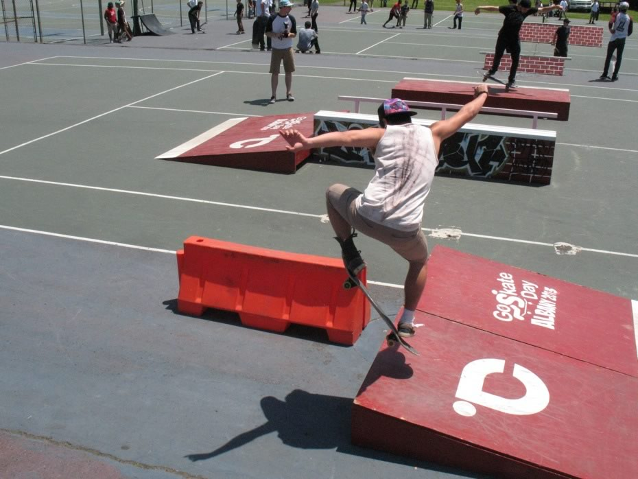 go_skateboarding_day_washington_park_4.jpg