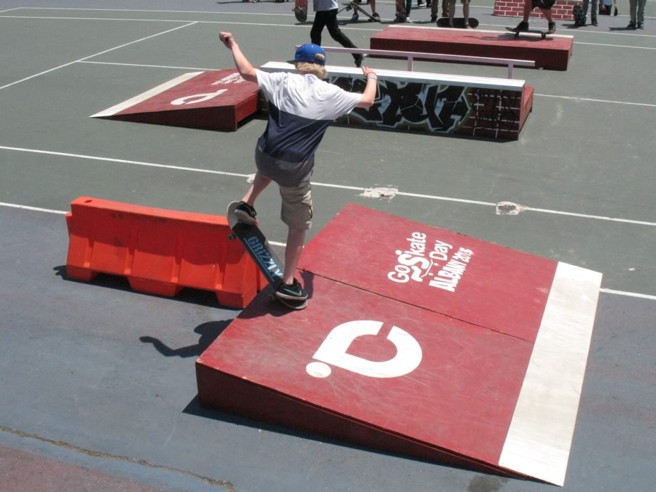 go_skateboarding_day_washington_park_6.jpg