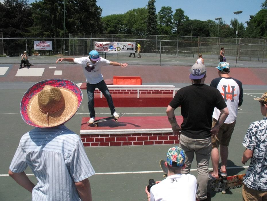 go_skateboarding_day_washington_park_9.jpg