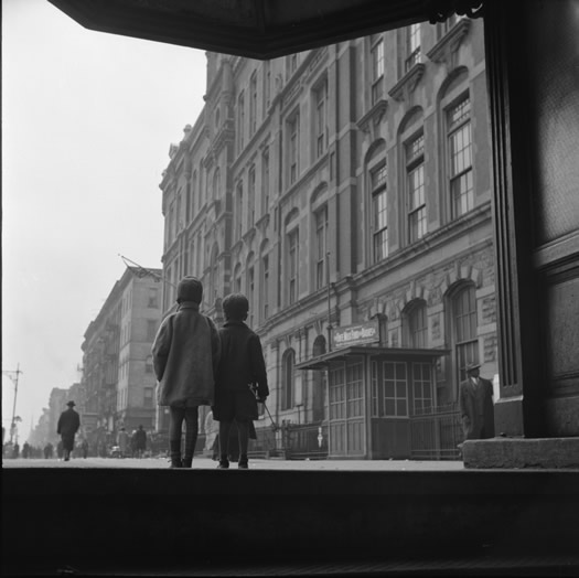 gordon_parks_street_scene-_two_children_walking_harlem_ny_1943.jpg