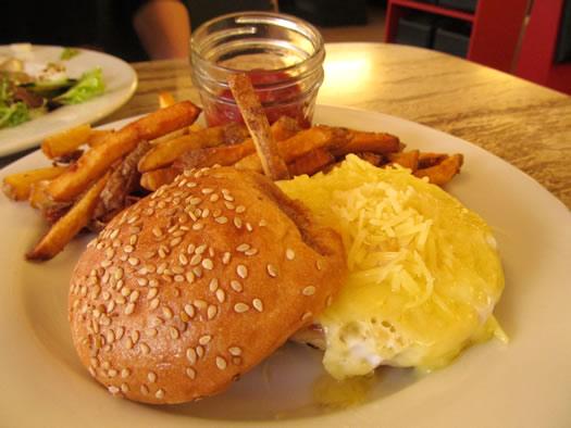 grazin_egg_sandwich.jpg
