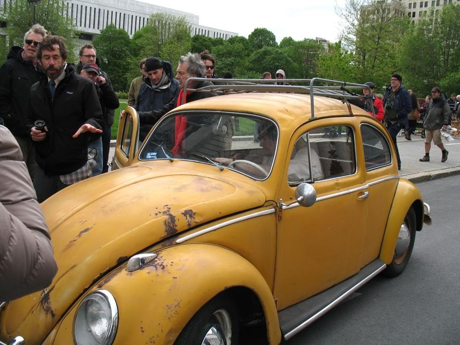 hbo_ali_albany_discus_car2.jpg