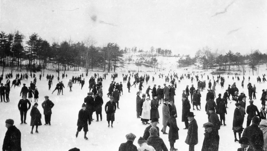 ice skaters Schenectady Central Park 1916 Grems-Doolittle Collection