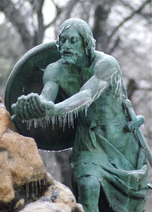 ice storm 2008-12-12 statue