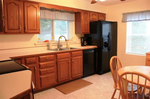 12 Fletcher Drive kitchen credit CRMLS.jpg