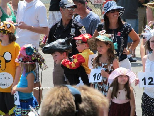 2012 hats horse and jockey in group.jpg