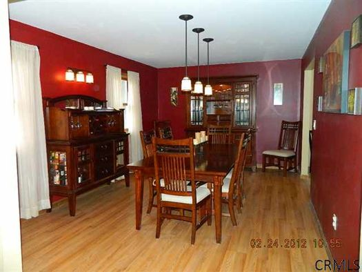 36 Cramer Path Dining room Credit CRMLS.jpg