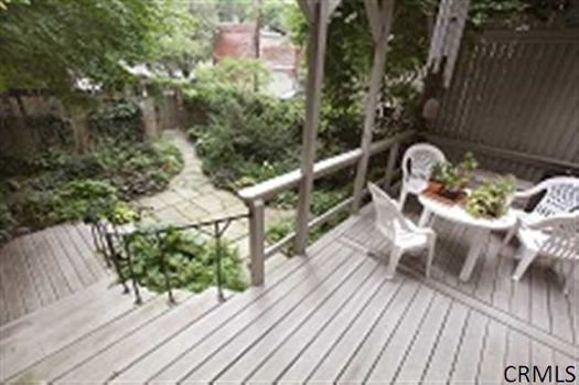 Madison Row House yard credit CRMLS.jpg