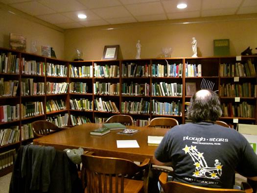 irish american museum library