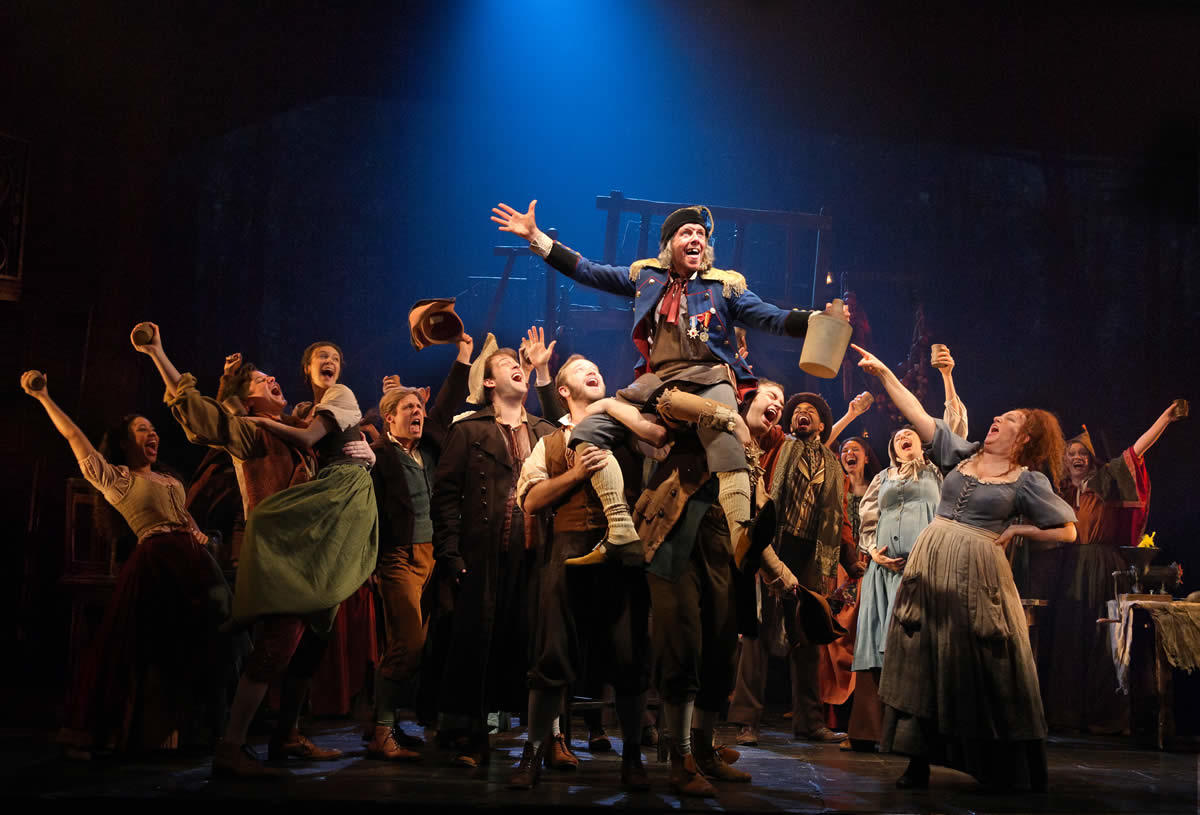 Les Miserables master of the house credit Matthew Murphy