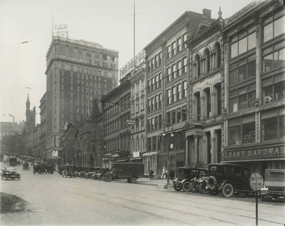 looking up State Street Albany 1920s