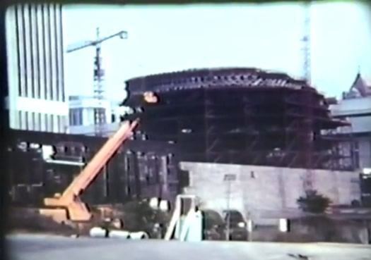 making_of_the_mall_The_Egg_construction.jpg