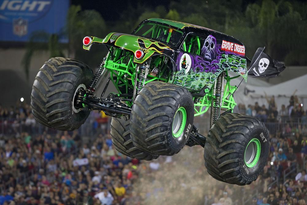 monster truck Grave Digger