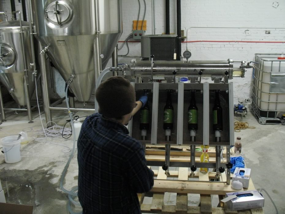 nine_pin_cider_bottling_11.jpg