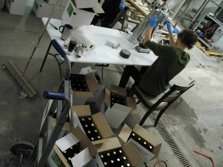 nine_pin_cider_bottling_14a.jpg