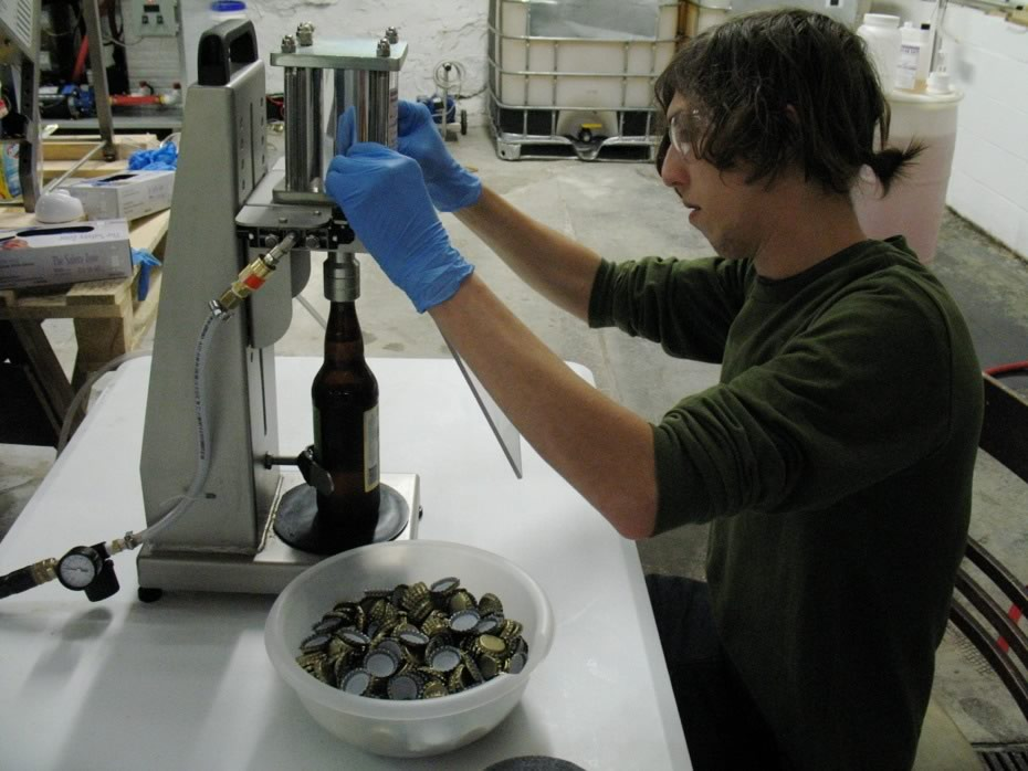 nine_pin_cider_bottling_14b.jpg