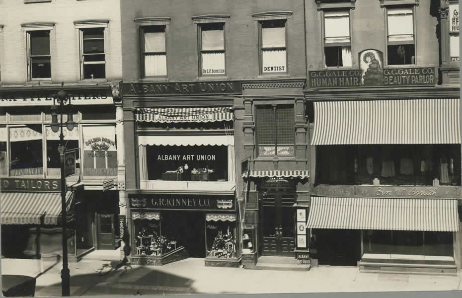 old_signage_APL_Albany_New_York_Commercial_Streets_50_North_Pearl_Street.jpg